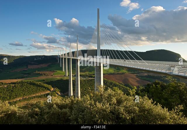 golden-light-hits-the-millau-viaduct-f34