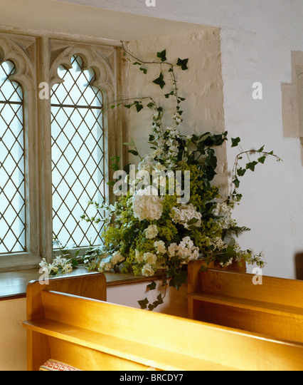 Flower Arrangement On Windowsill Small Stock Photos &amp- Flower ...