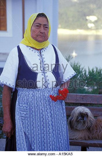 loannina women The romaniotejews of ioannina women maintained the traditional roles of housekeeping 1944, 1,860 jews of ioannina–men, women, children.