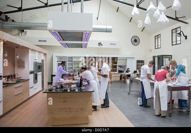 Classes stock photos classes stock images alamy - Cours cuisine chartres ...