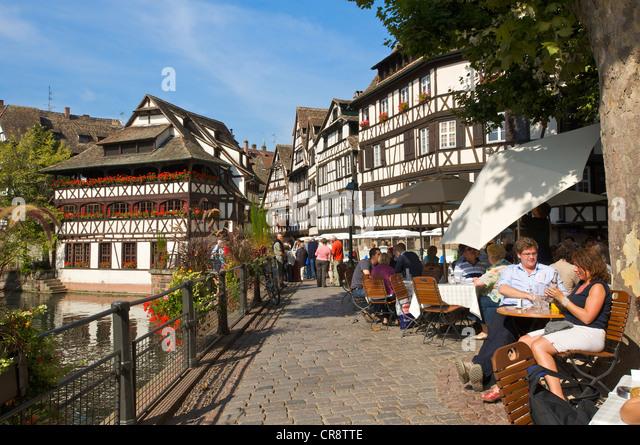 Maison stock photos maison stock images alamy for Restaurant la maison rouge colmar