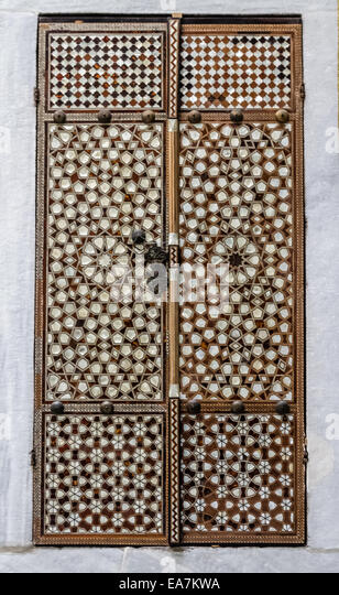 Harem door from mother of earl inlay at Topkapi Palace - Stock Image : mother doors - pezcame.com