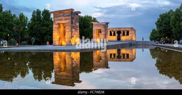 temple de debod madrid stock image