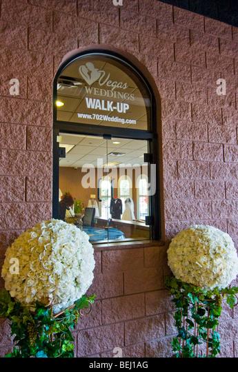 Las Vegas Wedding Drive In And Walk Up Chapel Nevada