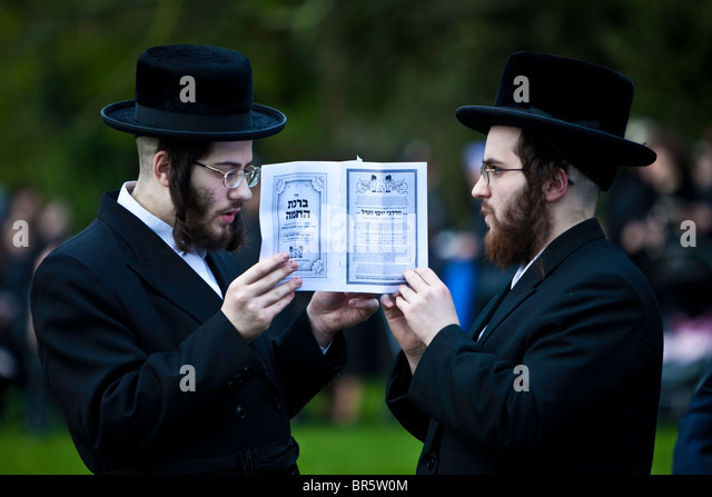 hills jewish single men We are the premier jewish singles community in florida as the modern  alternative to traditional jewish matchmaking, we are an ideal online destination  for jewish men and women to find friends, dates, and even soul  beverly hills,  citrus.