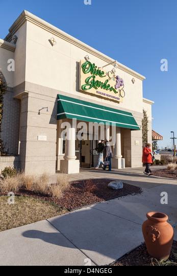 Olive Garden Restaurants Stock Photos Olive Garden