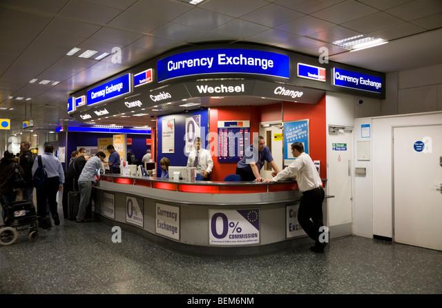 travelex airport stock photos travelex airport stock images alamy