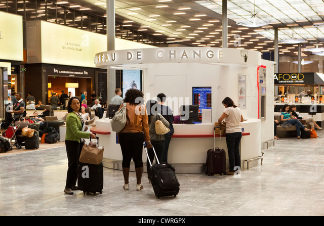 Airport charles de gaulle stock photos airport charles de gaulle stock images alamy - Bureau de change paris 9 ...