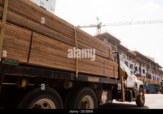Double Length Log Truck Pulls Into Lumber Mill Stock Video Footage ...