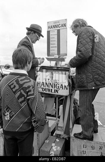 how to become a bookie at the races