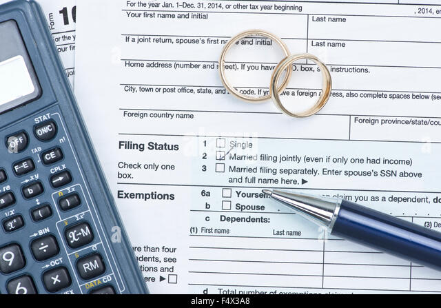 Form 1040 stock photos form 1040 stock images alamy for 1040 tax table calculator