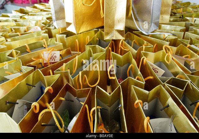Wedding Gift Ideas For Guests Malaysia : Gifts for guests at a Malay wedding in Terengganu, Malaysia.Stock ...