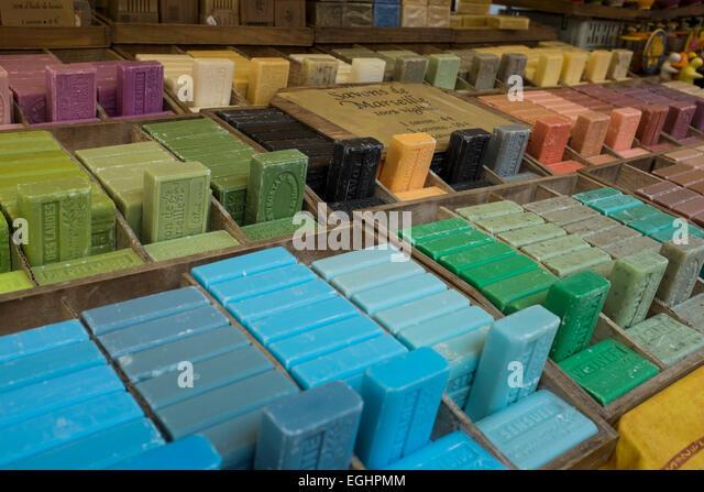 la maison du savon de marseille paris premire rgle nuachetez jamais votre savon de marseille en. Black Bedroom Furniture Sets. Home Design Ideas