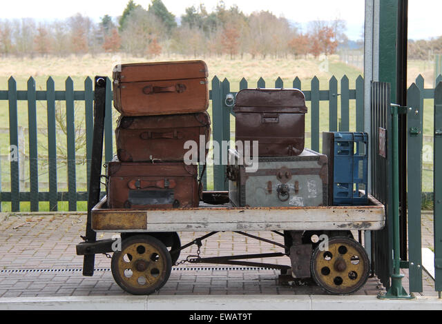Luggage Trolley Stock Photos & Luggage Trolley Stock Images - Alamy