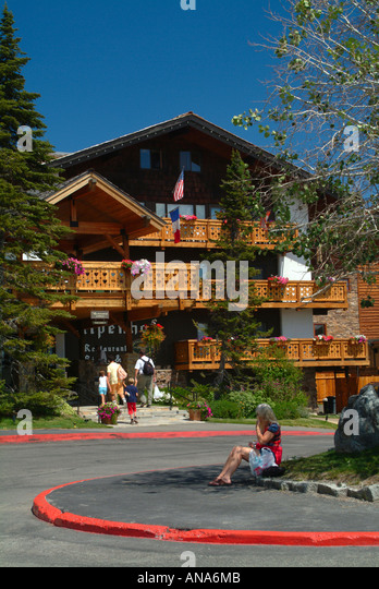 teton village women Casual elegance is the name of the game in teton village, one of the ski resorts in jackson hole, wyoming with its renowned snow conditions, lodging, spas and restaurants, the luxury resort attracts adventurers from all over the world.