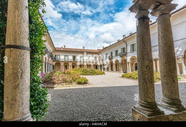 Varese Italien s courtyard stock photos s courtyard stock images alamy