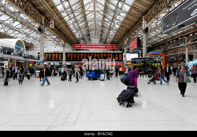 how to get to victoria station
