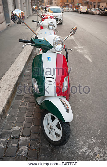 moped italy stock photos & moped italy stock images - alamy