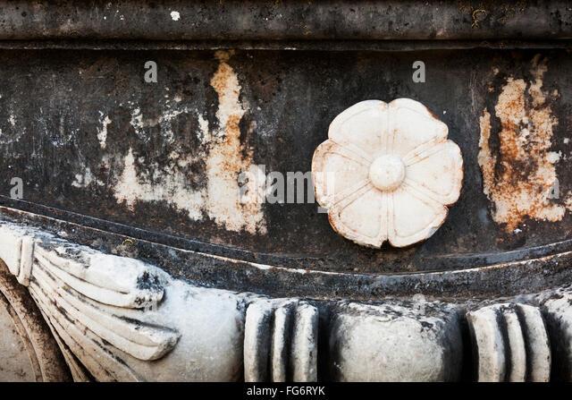 Ruins temple artemis sardis turkey stock photos ruins for Artemis decoration