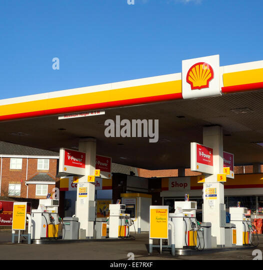 Shell Garages: Shell Petrol Pump Uk Stock Photos & Shell Petrol Pump Uk