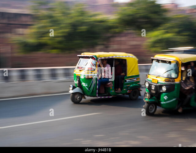 indian tuk tuks stock photos indian tuk tuks stock images alamy. Black Bedroom Furniture Sets. Home Design Ideas