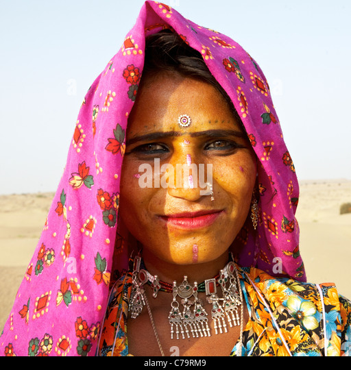 Indian Gypsy Woman Stock Photos & Indian Gypsy Woman Stock Images ...