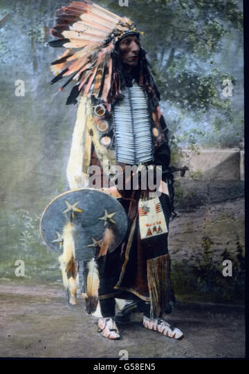 sioux headdress stock photos sioux headdress stock images alamy. Black Bedroom Furniture Sets. Home Design Ideas