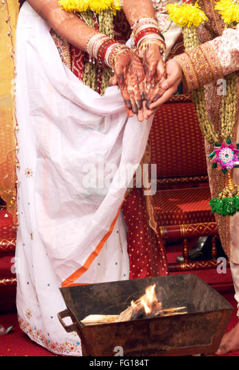 South Asian Indian Hindu Wedding Ceremony Jawtal On Fire India MR364