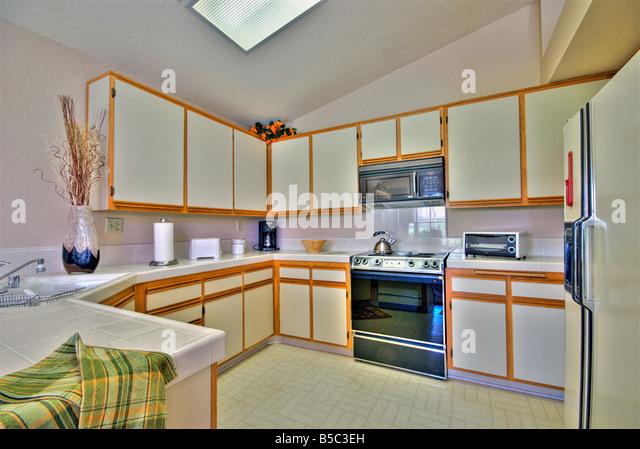Oasis Country Club Palm Desert Kitchen Interior White