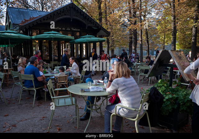 Caf outside park in paris stock photos caf outside for Cafe jardin du luxembourg