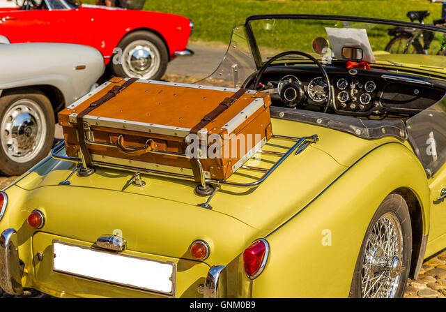 Suitcase Vintage Car Stock Photos & Suitcase Vintage Car Stock ...