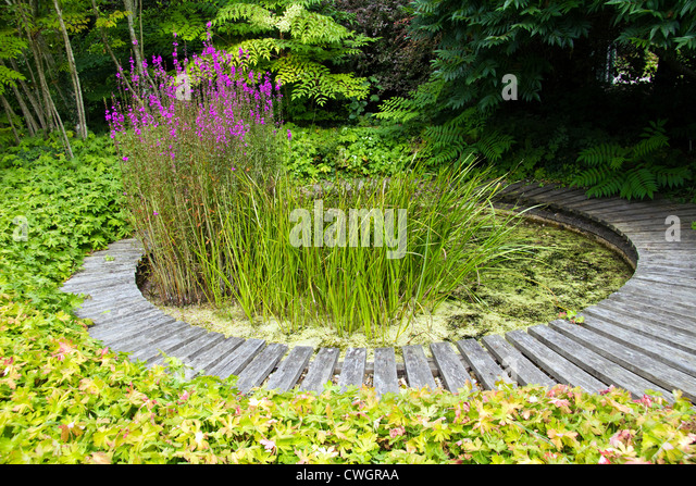 Stone And Water Garden, Broadview Gardens Kent England   Stock Image