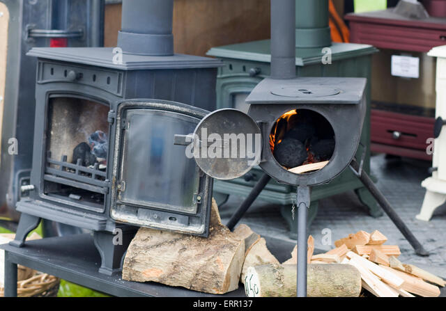 wood burning canal boat cast iron stoves - Stock Image - Wood Burning Stoves Stock Photos & Wood Burning Stoves Stock