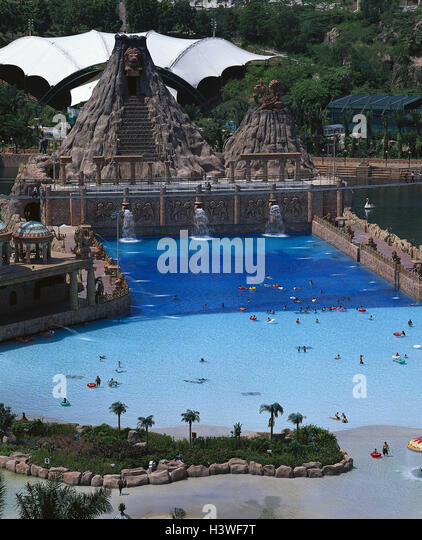 Sunway stock photos sunway stock images alamy for Sunway pyramid hotel swimming pool