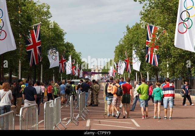 London 2012 olympics crowds stock photos amp london 2012 olympics crowds