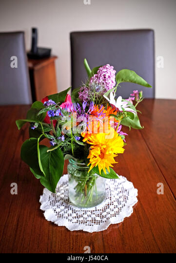 Pretty Flowers Vase Table Stock Photos Pretty Flowers Vase Table