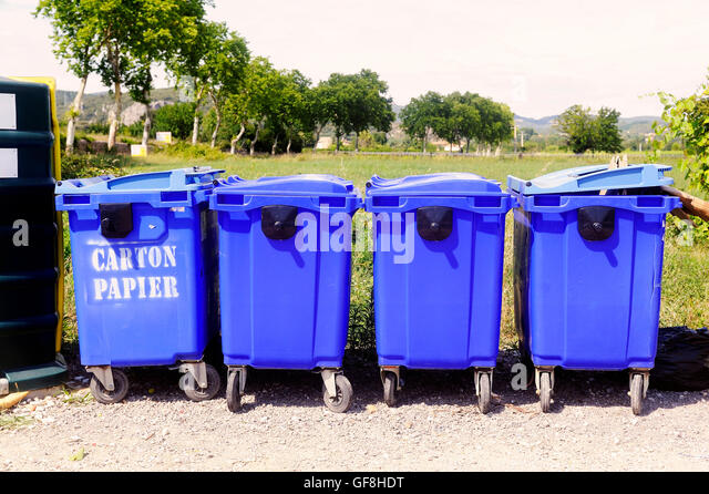 Industrial garbage bins stock photos industrial garbage bins stock images alamy - Rd rubbish bin ...