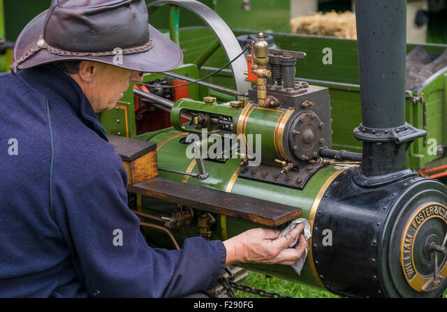 Steam Traction Engineering: A Book for Operating Engineers