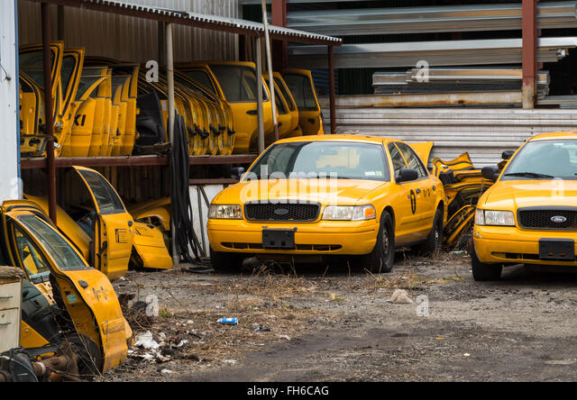 Wen2k Com Junk Yard Salvage Yard Auto Repair Garage: Chassis Cab Stock Photos & Chassis Cab Stock Images