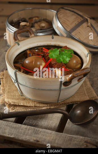 how to cook thit kho trung