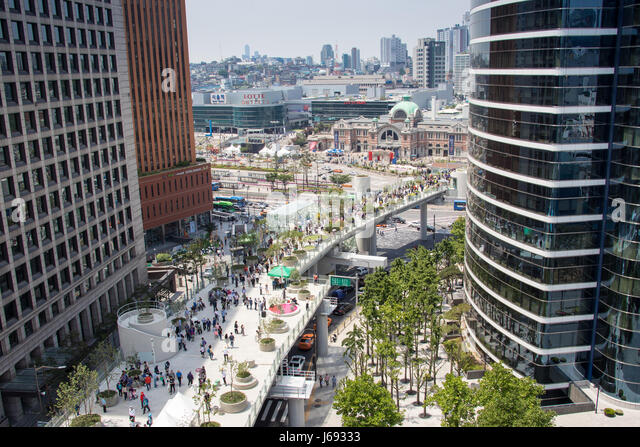 Seoul, South Korea. 20th May, 2017. Opening day of Seoullo 7017, Seoul Station urban renewal Project,  Seoul, South - Stock Image