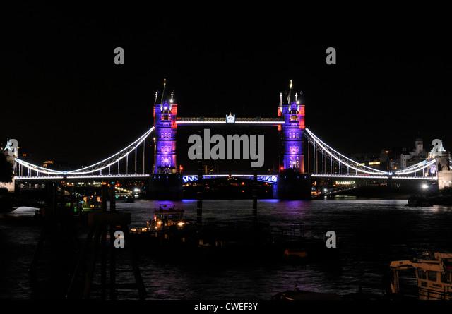 bridge gb night london - photo #41