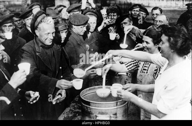 the nazi occupation of holland Northern italy is occupied by the germans  a festive gathering of the dutch  diamond workers' union (1937) the jewish council is set up (1941) anne at  the.
