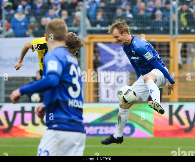 Dortmunds matthias ginter in action stock photos for Action darmstadt