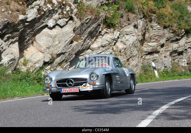 2010 Mercedes Benz 300 SL photo - 1