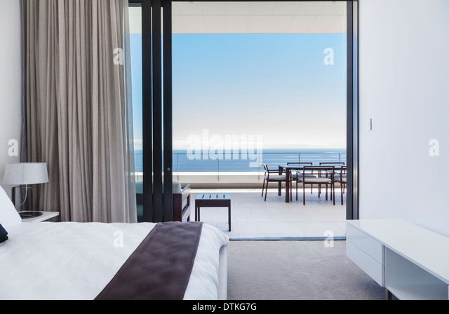Room with balcony 39 stock photos room with balcony 39 stock for Balcony overlooking ocean