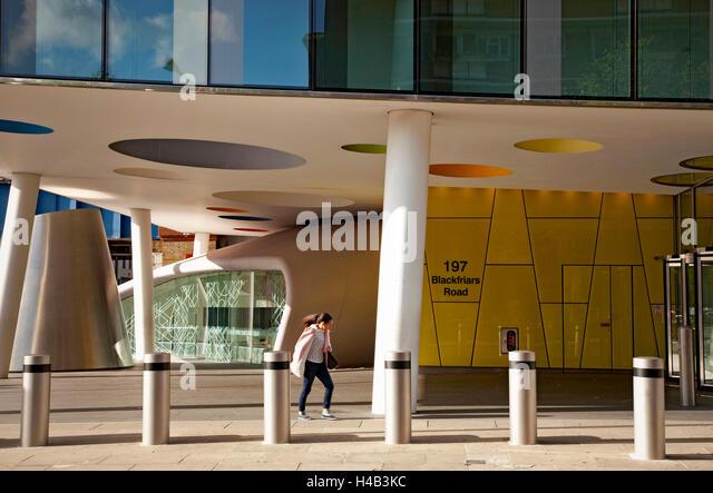 Modern Columns modern building with columns stock photos & modern building with