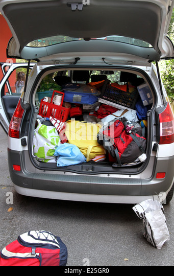 overloaded car stock photos overloaded car stock images alamy. Black Bedroom Furniture Sets. Home Design Ideas