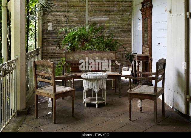 maison veranda finest fabulous veranda maison comble caen. Black Bedroom Furniture Sets. Home Design Ideas