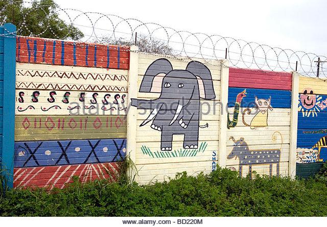 Elephant mural on wall stock photos elephant mural on for 18th street gang mural